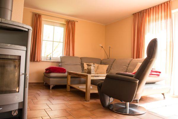 couchecke mit ofen ferienhaus meeresbrise. Black Bedroom Furniture Sets. Home Design Ideas